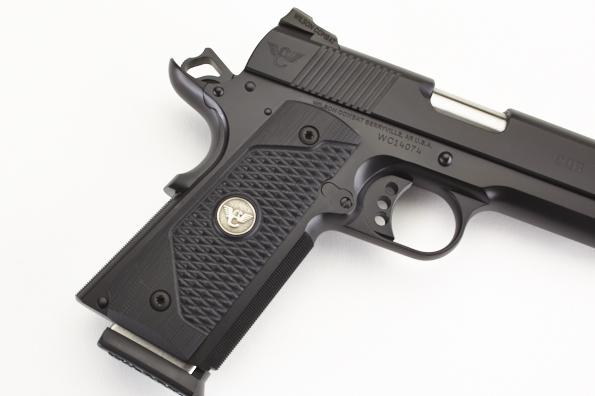 Grips | FS | Black G10 | ULTRA THIN | BB-https://shopwilsoncombat com/